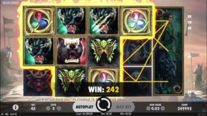 warlords: crystals of power slot game reels